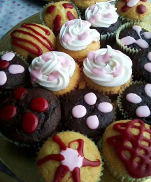 Cupcakes with Simple Decorations
