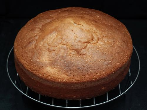 Easy Sponge Cake Recipe For Beginners