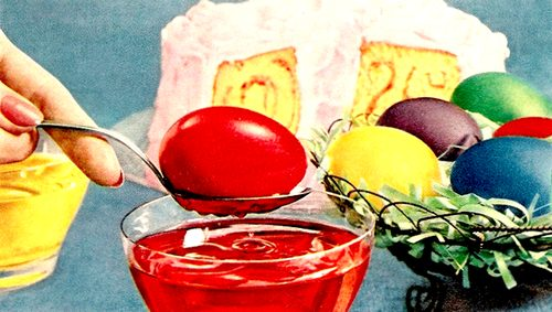 Coloring Easter Eggs Using Food Dyes