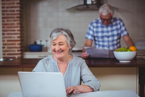 Reading Tips for the Kitchen and Cooking on a Laptop