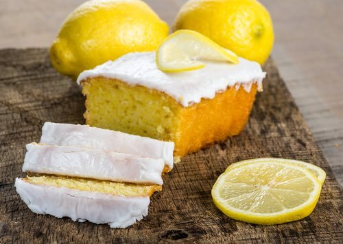 Old Fashioned Lemon Cake