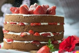 Old fashioned 4 Layer Strawberry Cake