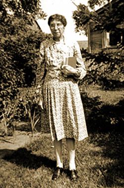 Annie Stewart Gentles (1881-1955)