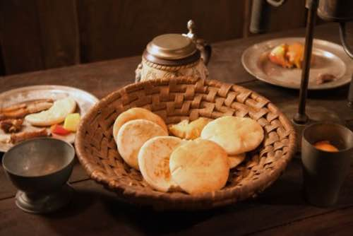 Renaissance Biscuits or Cookies